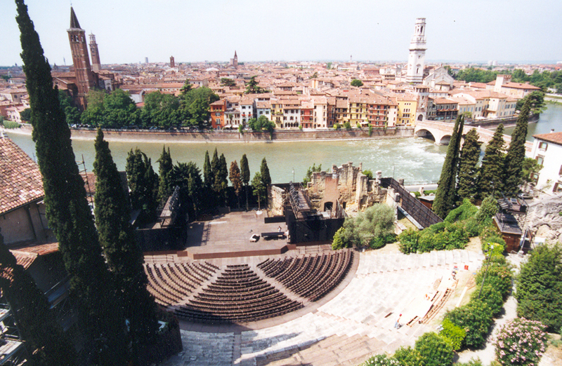 Resultado de imagen de Teatro romano de Verona